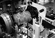 Measuring the dynamic balance of the crankshaft assembly
